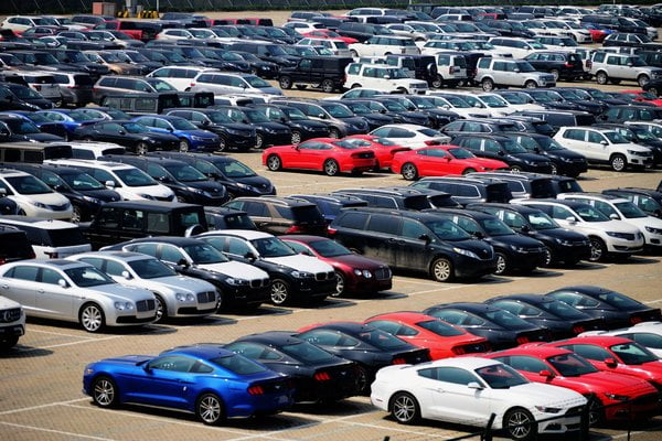 China Loosens Foreign Auto Rules, in Potential Peace Offering to Trump