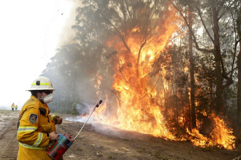 Climatic conditions improve for firefighting in Australia
