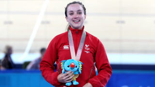 Commonwealth Games: Elinor Barker wins points race gold, Scots complete podium