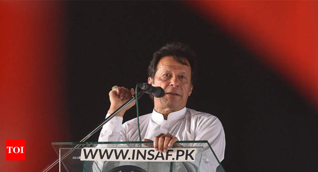 Imran Khan Warms to Pakistan's Military. His Political Fortunes Rise.