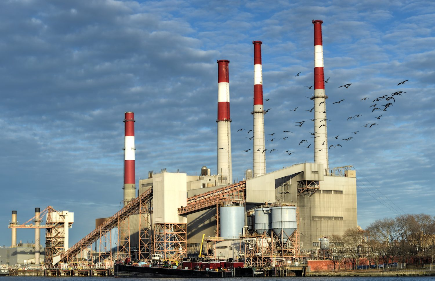Miner Reopens Coal-Fired Power Plant in Cheap Energy Quest
