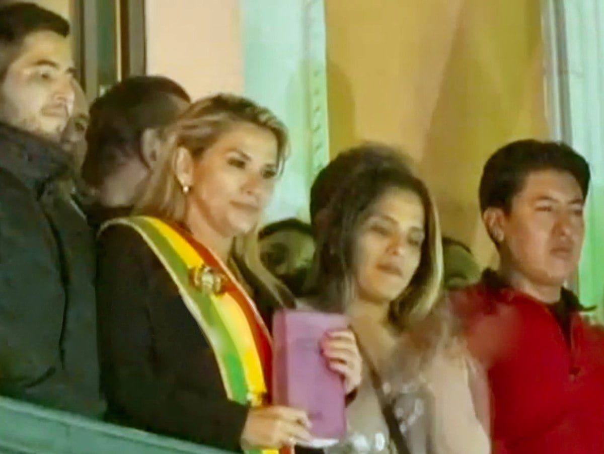 """Morales leaves Mexico for """"temporary"""" Cuba"""