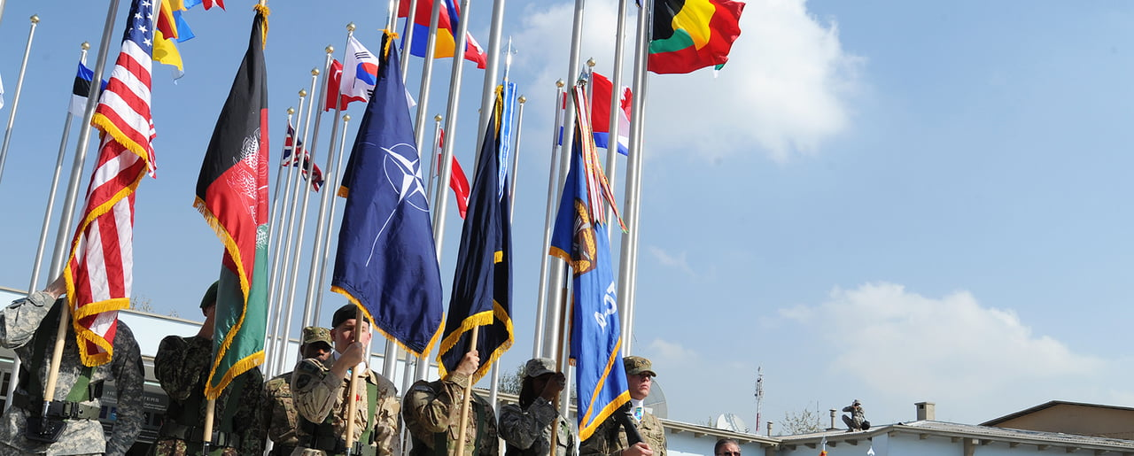 """NATO condemns the Iranian attack against US bases and the international coalition in Iraq and asks for """"contention"""""""