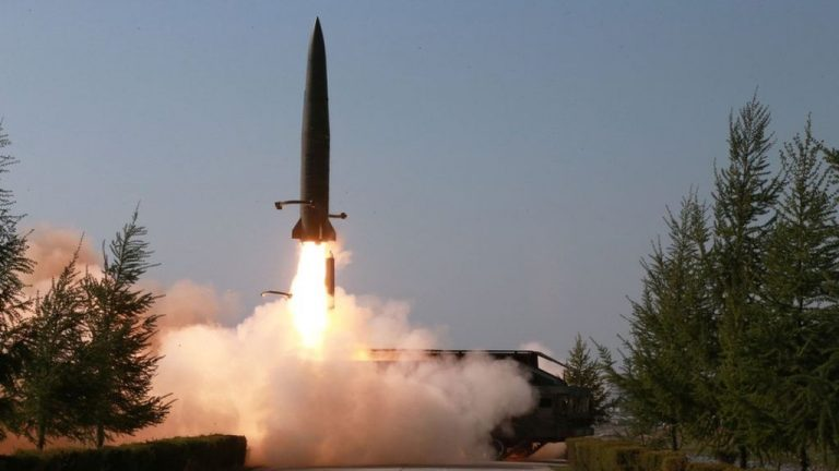 North Korea launches an unidentified projectile