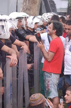 Police disperse a demonstration against machismo in Istanbul