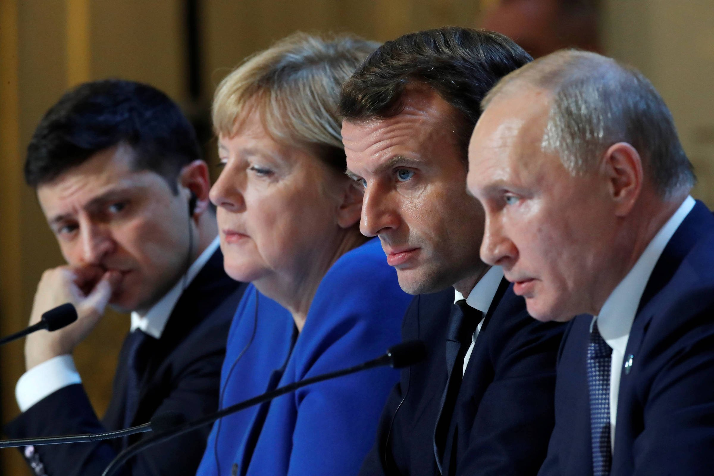 Putin and Zelenski hold their first face-to-face meeting in Paris