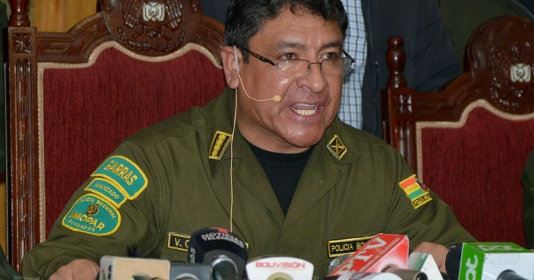 "The Bolivian Army ""suggests"" Evo Morales to resign"