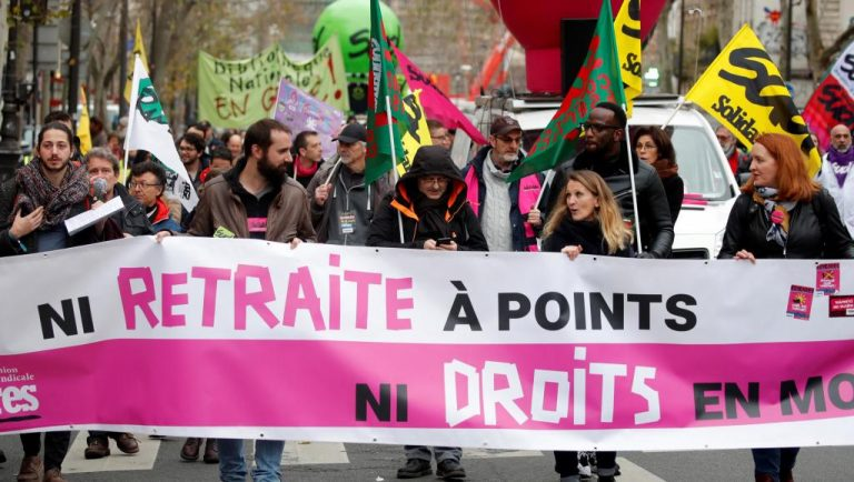 The Government of France and unions do not agree and the protests will continue during Christmas
