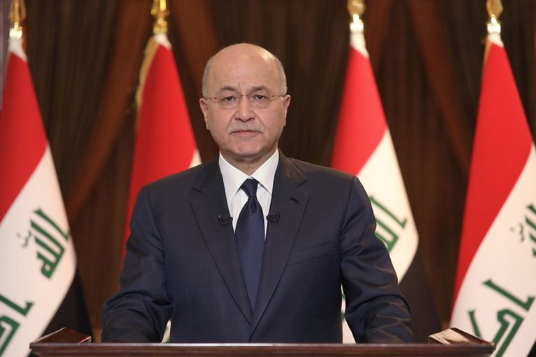 The president of Iraq, willing to resign so as not to appoint a prime minister rejected by protesters