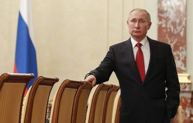 The Russian Government announces his resignation after Putin's speech
