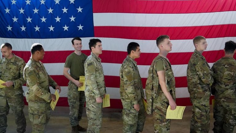The US prepares the withdrawal of a third of its military force in Afghanistan