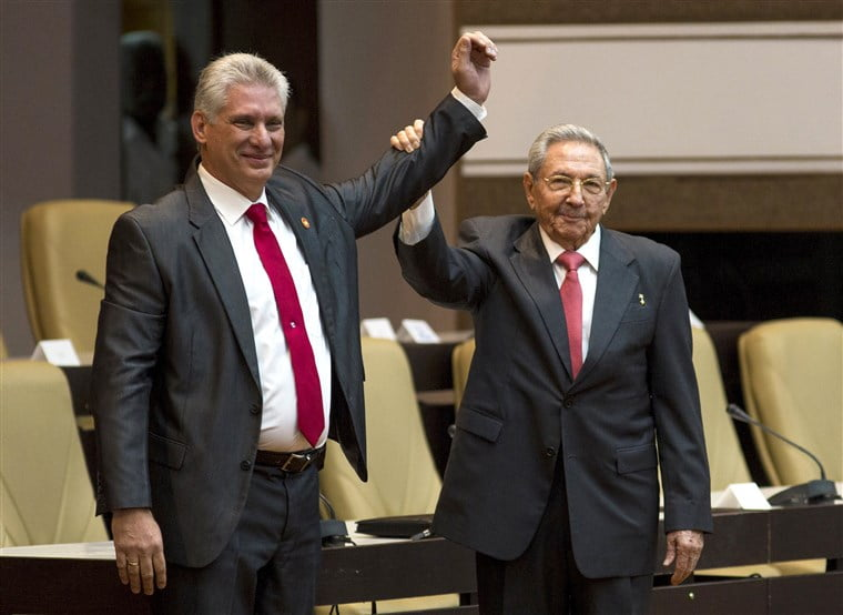 The Week in Pictures: Baby in the Senate, Cuba passes torch