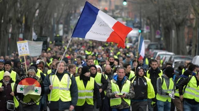 The 'yellow vests' join the indefinite strike against pension reform in France