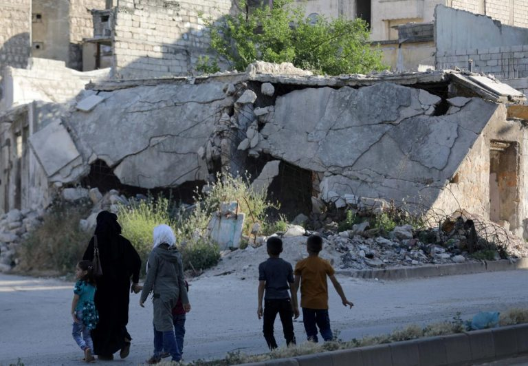Trump warns Syria, Russia and Iran against a civilian slaughter in the offensive against Idlib