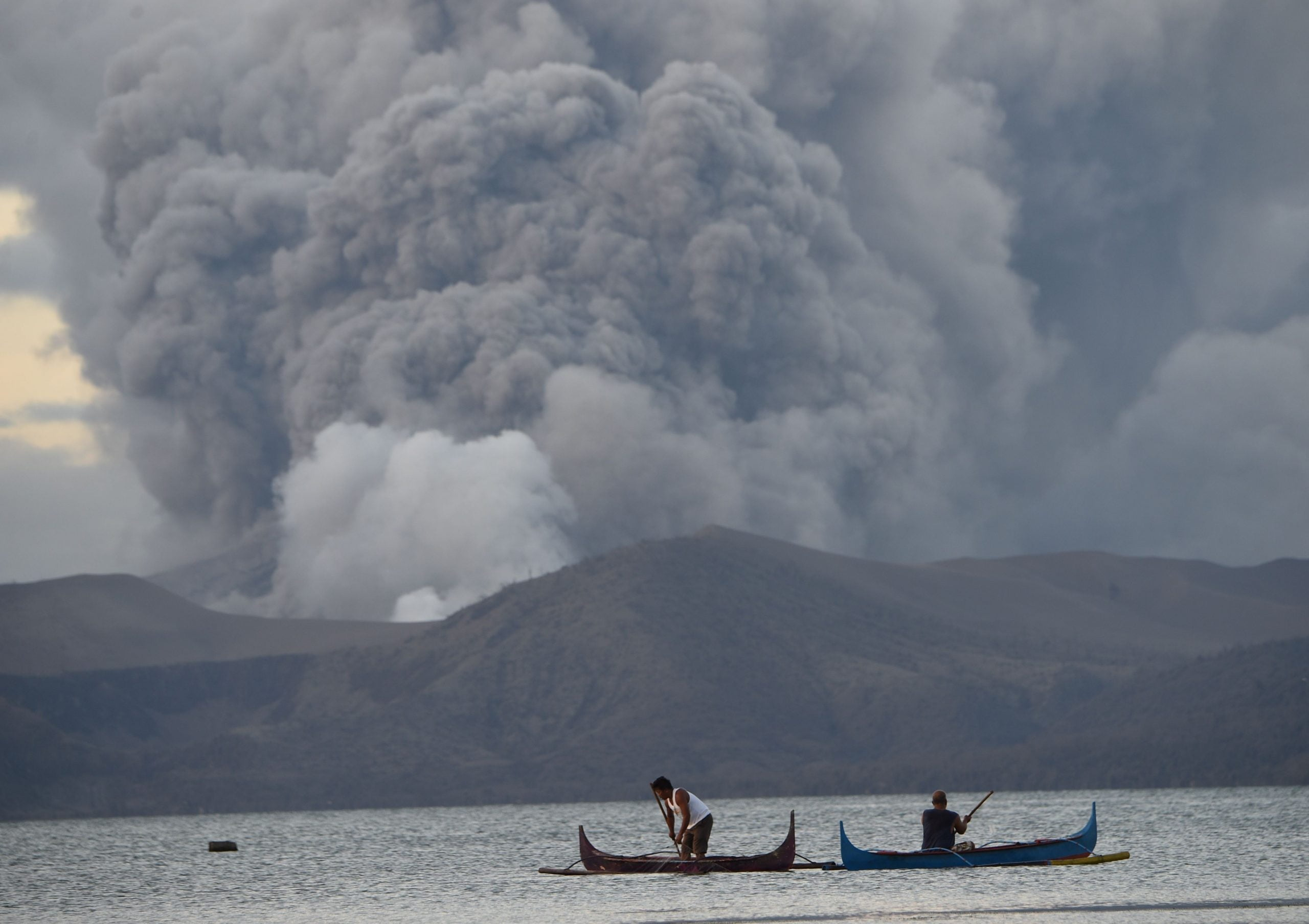 Two killed by cardiac arrest and more than 82,000 evacuated after the eruption of the Taal volcano