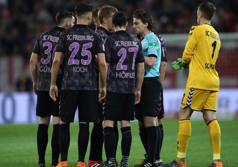 VAR in Bundesliga: Mainz & Freiburg players called back at half-time for penalty