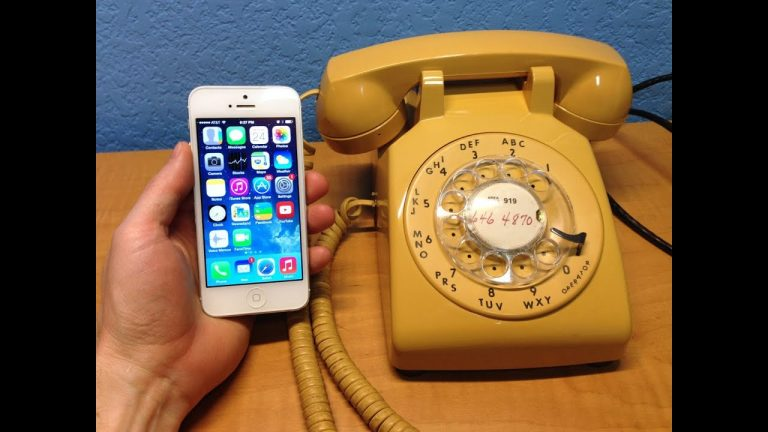 An engineer created a touch mobile phone with a rotating dial