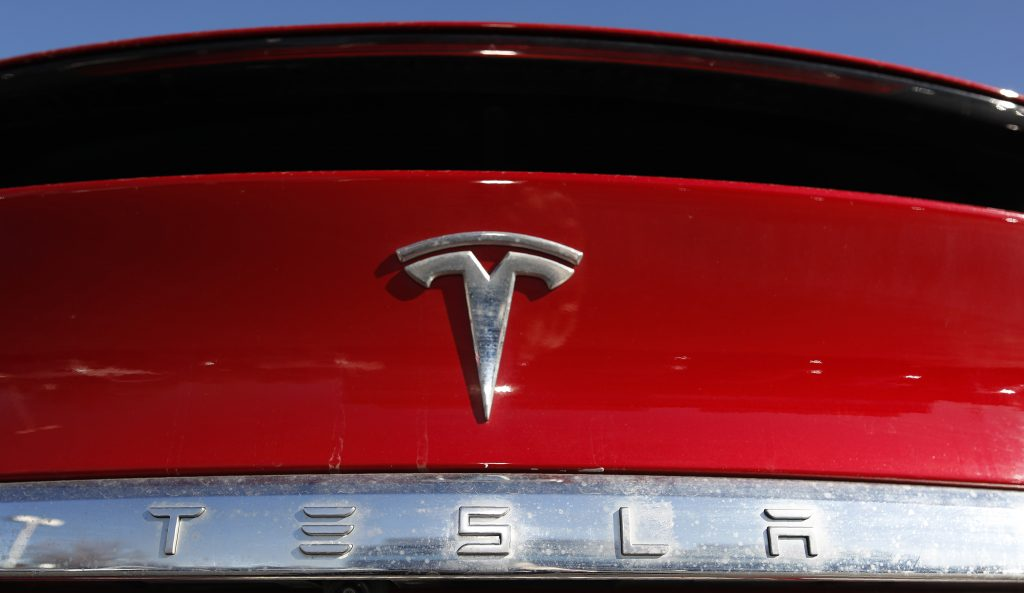 Tesla will raise 2 billion in funds two weeks after Elon Musk said they were not necessary
