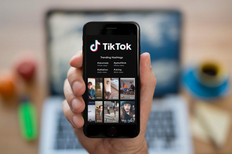 Why do US senators want to ban TikTok on government phones?