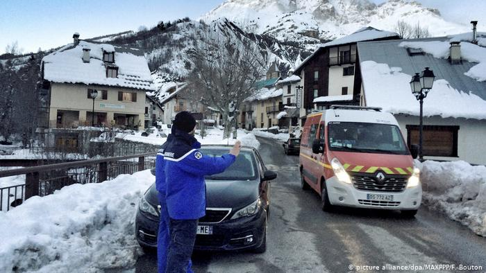 Avalanche kills two skiers in French Pyrenees