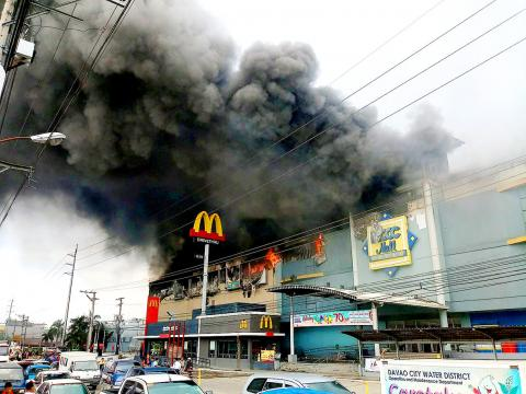 Dozens Trapped and Feared Dead in Fire at Philippines Mall