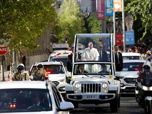 Francis Halts Popemobile to Comfort Policewoman Thrown by Horse