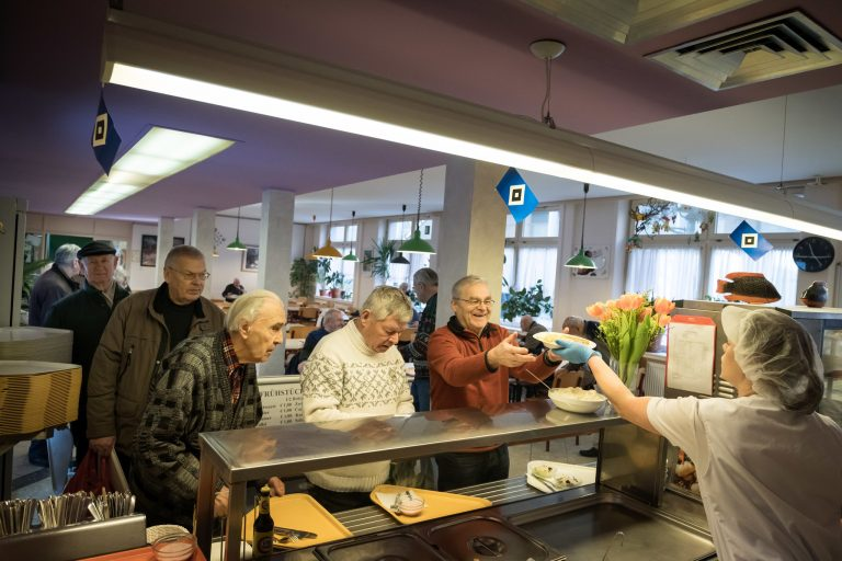 Hamburg Journal: Come for the Herring, Stay for the Chitchat: An Unlikely Haven for the Aged