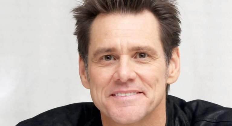 Jim Carrey deletes Facebook account over Russia