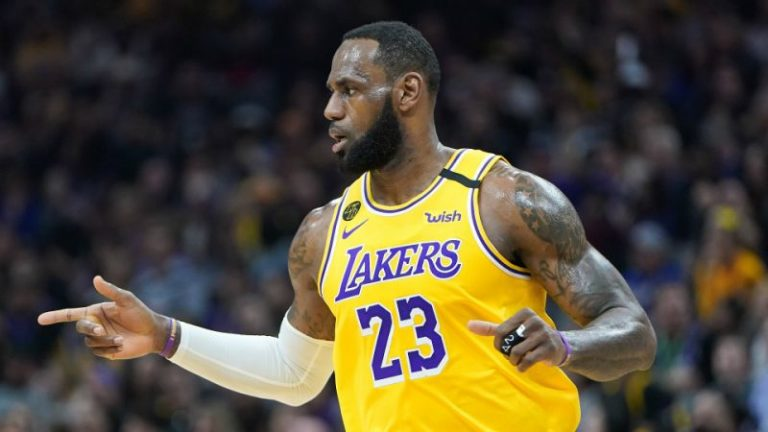 'Look left, pass right' – LeBron James' classy no-look pass in Cavs' defeat to Lakers in NBA
