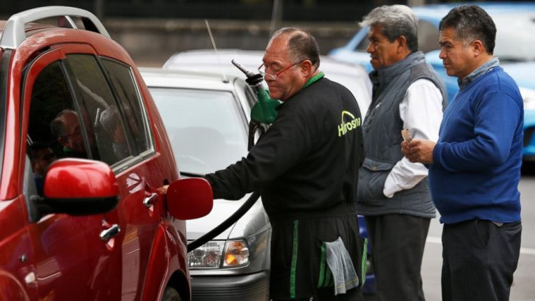 Mexico Reports Record Number of Illegal Taps Into Fuel Pipelines