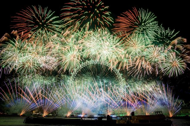 New Year's 2018: Thousands flee fireworks barge explosion