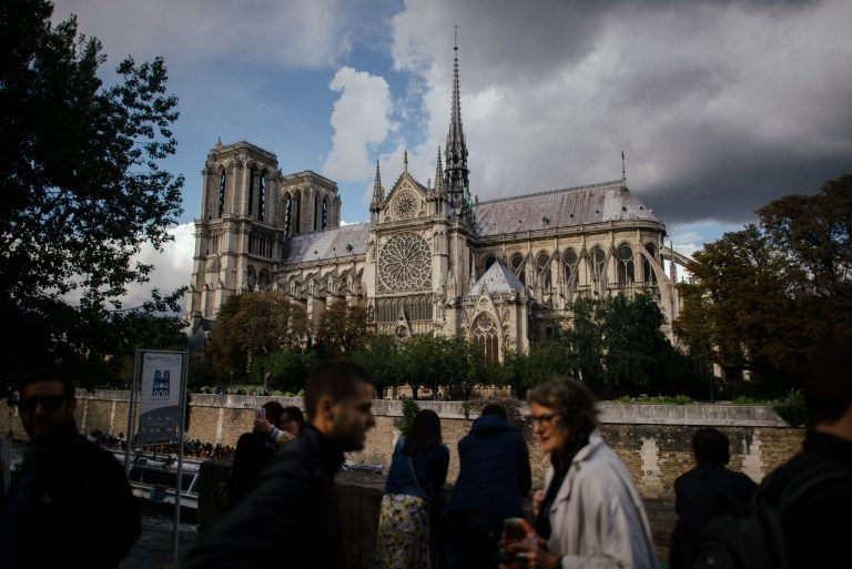 Notre-Dame: Cracks in the cathedral