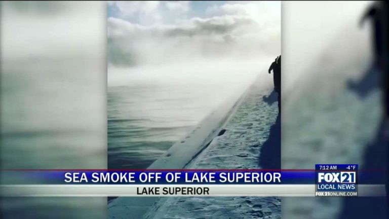 Sea smoke phenomenon on Lake Superior, Minnesota