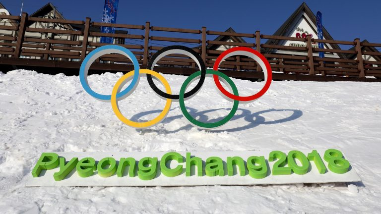 Winter Olympics: Aimee Fuller crashes out of slopestyle final
