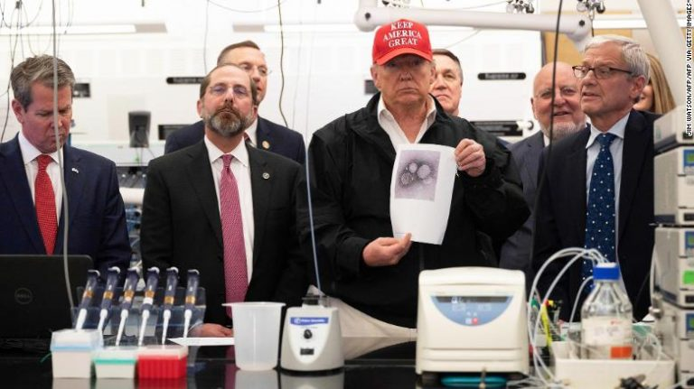 Trump boasts that the US border is well protected from the corona virus thanks to the Mexico wall