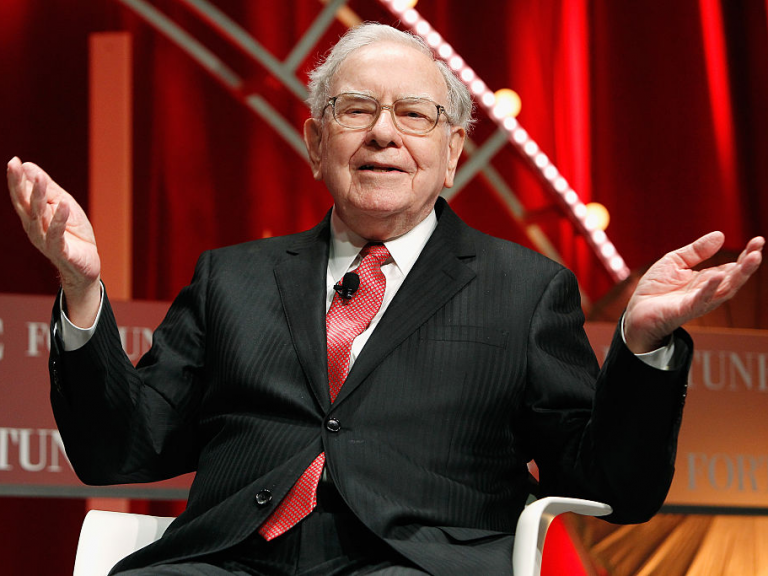 Warren Buffett expects the market to collapse and Bitcoin to fall with it
