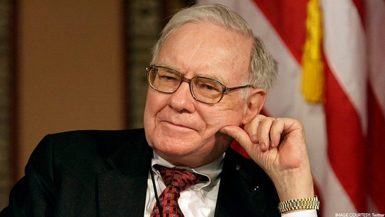 Warren Buffett leaves commercial aviation