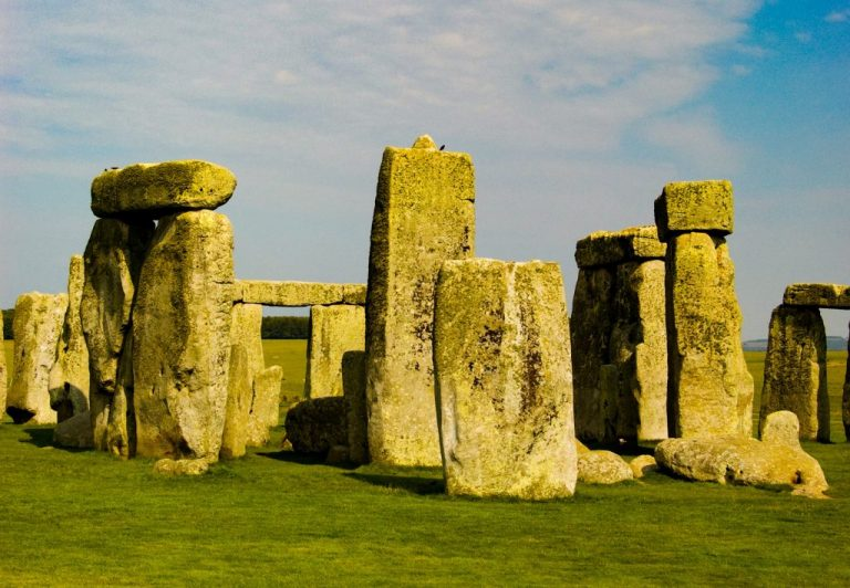 Archaeologists will find a fountain ring around Stonehenge
