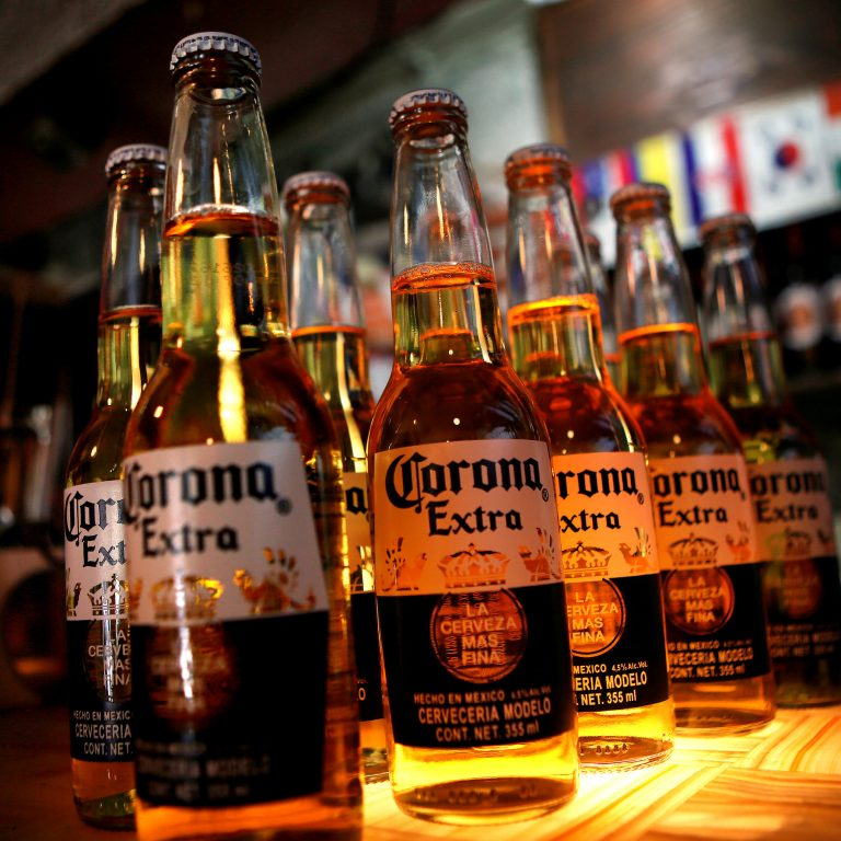 Corona presents the special edition of its non-alcoholic beer in support of the Mexican Red Cross
