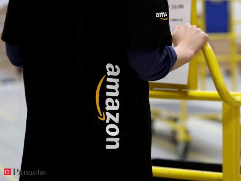 How Amazon uses its artificial intelligence to keep the distance between employees