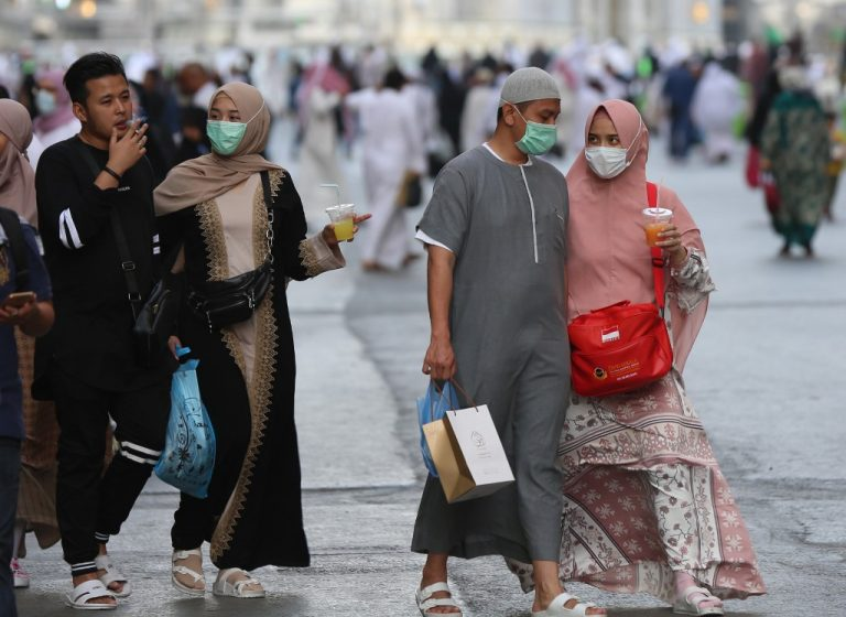 Saudi Arabia will limit the number of pilgrims to Mecca to those who already live in the country due to the corona virus