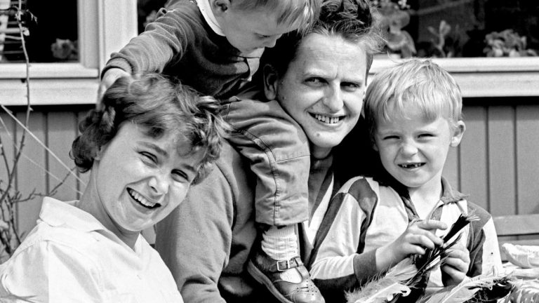 Sweden files investigation into the murder of Prime Minister Olof Palme in the alleged perpetrator's death