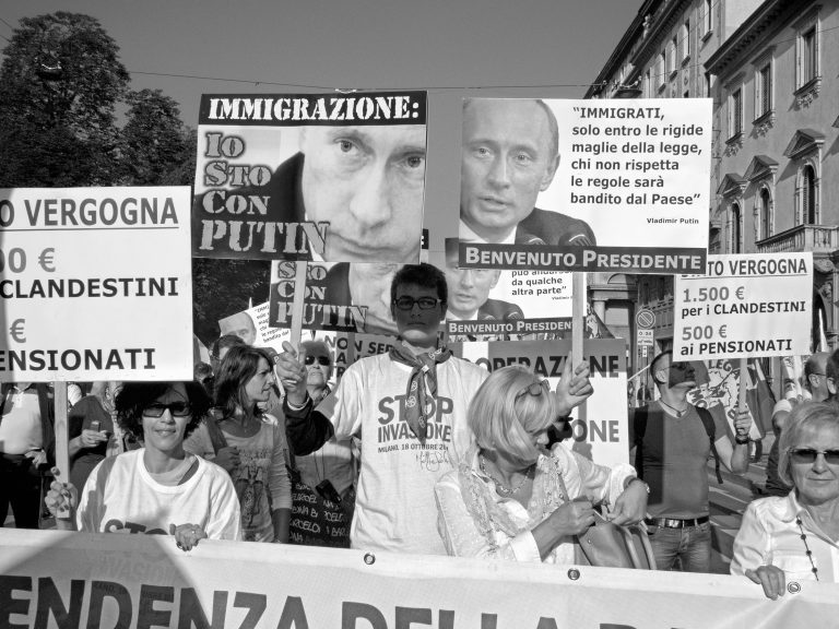 The Italian right protests against coping with the pandemic headed by Salvini