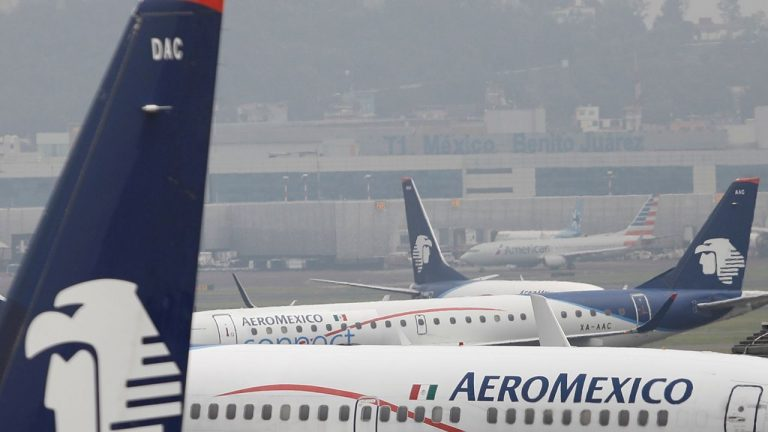 Aeroméxico files for bankruptcy in the United States, but continues to operate