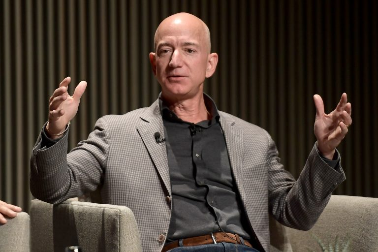 Jeff Bezos earned $ 13 billion on Monday