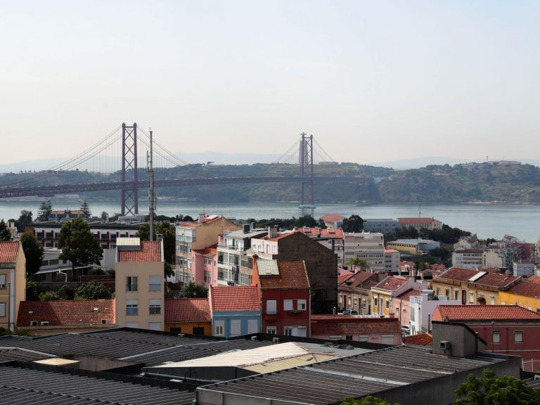 Portugal has fewer infections compared to Friday, but remains vigilant in Lisbon and the Tajo Valley