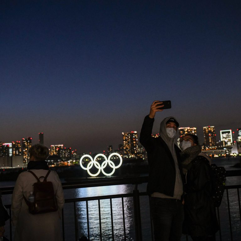 Seven out of ten Japanese believe that the Olympic Games should be postponed or suspended again