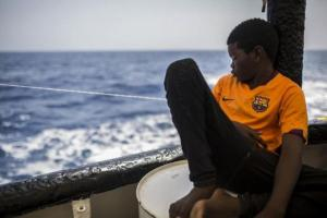 """The """"Ocean Viking"""" will disembark the 180 rescued migrants in Sicily after declaring themselves in a """"critical"""" situation"""