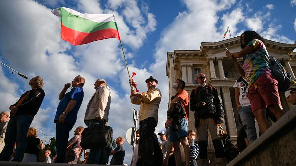 Thousands of Bulgarians demonstrate again in Sofia to demand the resignation of the government led by Borisov