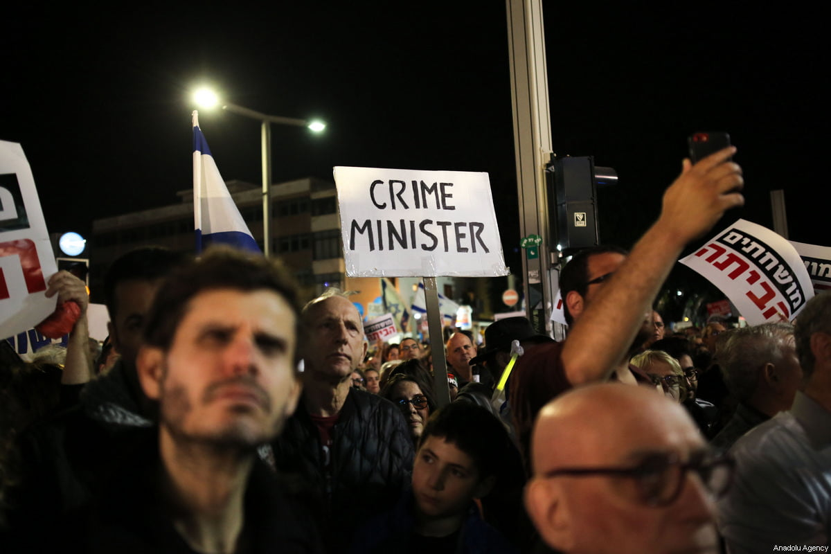 Thousands of protesters are protesting again against Netanyahu in Tel Aviv and Jerusalem